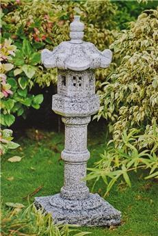 Lanterne japonaise Kasuga ht 200 cm granit massif taillé